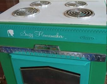 Vintage suzy homemaker oven 1960s