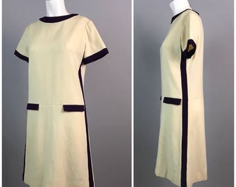 Vintage 1960s Ivory and Purple Color Block Mod Mini Dress / Women's Small / 60s Short Sleeve Knit Scooter Shift Dress