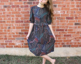 """Vintage 1980s / 1990s """"Cathy Sue"""" Black / Blue / Green / Red / White Paisley Floral Dress Mid-Length Sleeve Women's Size Medium"""
