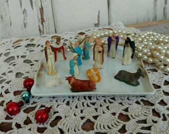 Mid Century Mini Nativity Set - Jesus + Mary + Joseph, Retro Christmas Holy Family Reason for the Season, Office or Desk Holiday Decoration