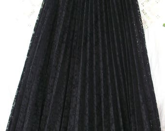 Vintage Black Lace ~ Full Length Long Skirt ~ 1960's ~ Amazing ~ Elegant Accordion Pleat ~ Bohemian / Gypsy Style ~ Lined