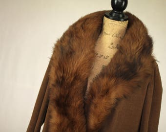 Vintage 1920s Coat with Fur Collar