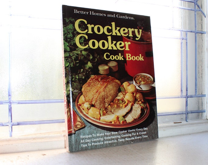 Crockery Cookery Cookbook Crock Pot Vintage 1976 Hardcover