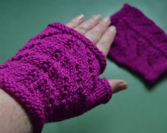 NEW DESIGN magenta lacy chevron hand knitted pair of wristwarmers fingerless gloves gauntlets