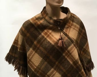Pioneer Wear Poncho Brown Plaid Zip Front Cape Size S Wool Shawl Back to School Outerwear Vintage