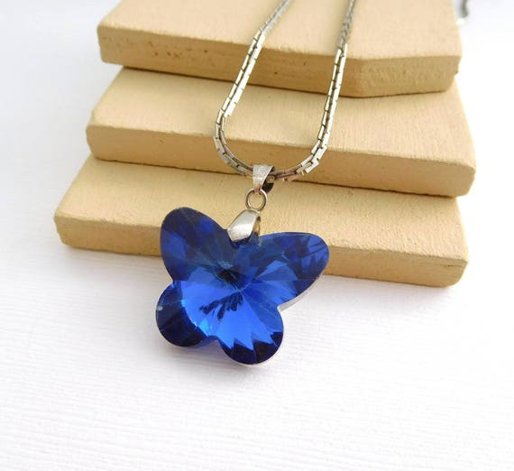 Retro Puffed Blue Crystal Butterfly White Gold Plated Silver Chain Necklace HH45