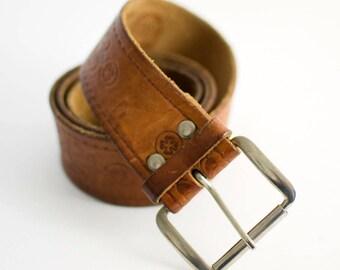Vintage Women's Embossed Distressed Brown Leather Belt Medium 30 32 34 36