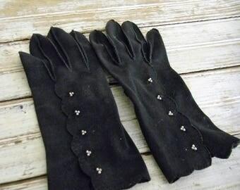 Vintage Gloves, Black Vintage Gloves, Bead Embellished Black Vintage Gloves, Small Black Vintage Gloves, 1940s 1950s Gloves Cotton Gloves