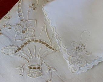 Vintage Linen Tablecloth 6 Napkins White Bridal Basket Set Topper Hand Embroidery Cutwork