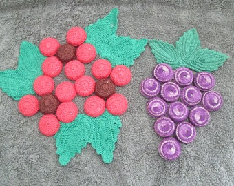 Set of 2 Vintage Bottle Cap with Crochet Leaves Hot Pads Or Trivets