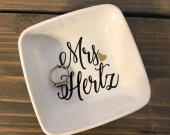 Personalized Jewelry Dish, Bridal gift, Birthday Gift, Mrs, Porcelain