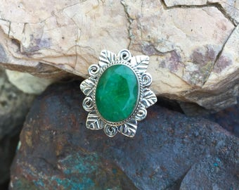Genuine . Natural . Emerald . Sterling Silver . Ring . Size 6.5