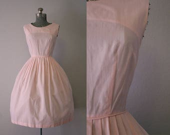 1950's Pale Pink Cotton Sun Dress / Size Medium