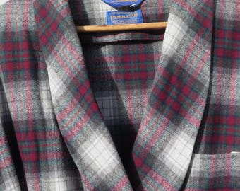 Pendleton Robe Wool Plaid Bathrobe Wrap Robe Made in USA 100% Wool Plaid Burgundy Gray Blue Size Extra Large XL Christmas Men's Classic
