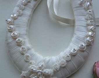 Small Ivory Horseshoe