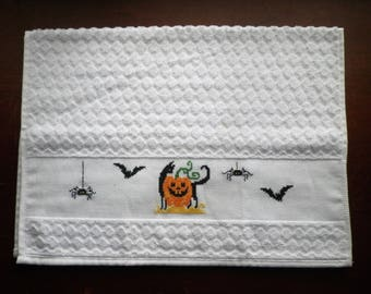 "Spooky Halloween Scene XL Hand Towel 16x24"" Pumpkin Black Cat Bats Spiders Kitchen Guest Bath Completed Cross Stitch Bathroom Holiday Gift"