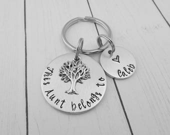 This Aunt belongs to - Personalized Custom Stamped Keychain - Sister Gift - Gift for Aunt - Tia Gift - Sister Key Chain - Auntie Keychain