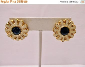ON SALE Retro Enameled Blue and White Floral Earrings Item K # 3070