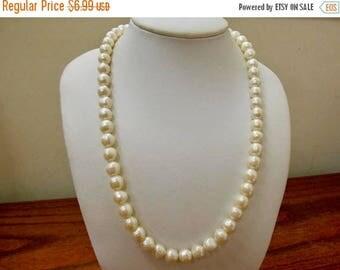 ON SALE Retro Sculptured Faux Pearl Necklace Item K # 390