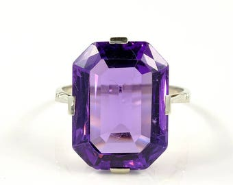 Art Deco 17.50 natural amethyst solitaire ring