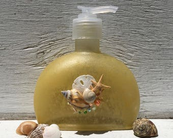 Seashell Soap and Lotion Dispenser, Seashell Soap Pump, Coastal Bathroom, Beach Bathroom, Bridal Shower Gift, Hostess Gift