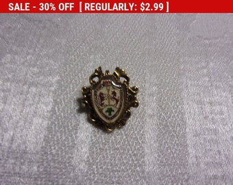 Vintage crest pendant brooch, estate jewelry