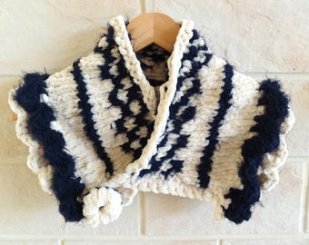 Snood Marrin blue and off-white patterned handknitted women accessory, scarf, scarf.