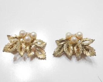 """Vintage """"JUDY LEE"""" Gold Tone Clip Leaf Earrings (1544)"""