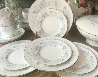 Wedgwood Belle Fleur Plae Set 4 Salad Plates and 4 Bread and Butter Plates Vintage 1960s Made England