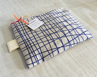 Purse-printed linen 'CRISSCROSS BLUE'