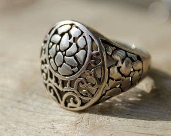 Signet Ring in sterling silver ring and openwork piece and unique design