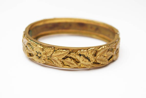 Small repousse leaf floral Bracelet  - Golden brass -  flower and  leaves  design - Hinged bangle - Art nouveau
