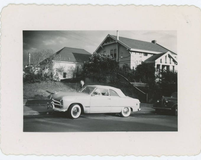 Vintage Snapshot Photo: c1950 Ford Crestliner Convertible (71544)