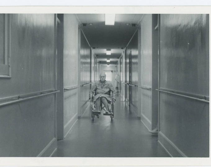 Foot Steps into Corridor......Woman in Wheelchair: Vintage Snapshot Photo (73554)