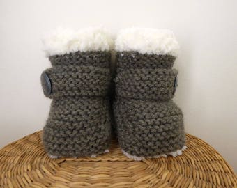 Cute baby ugg booties, knitted baby uggs, baby shower gift, baby slippers, 3 months, brown baby boots, baby photo prop, knit brown booties