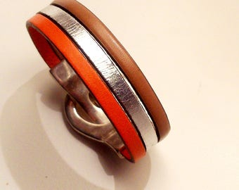 leather strap belt with silver zamak magnetic clasp silver orange and nude