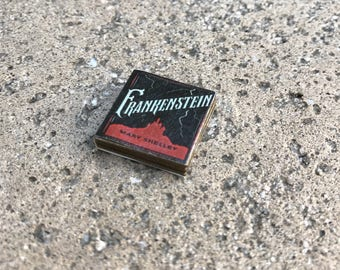 Frankenstein by Mary Shelley Classic Miniature Book - 1:12