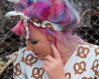 Pretzel Wire Headband, Wire Headband, Headband, Pretzel, Chocolate Pretzels, Pretzel fabric, Pretzel Print, Vintage Headband
