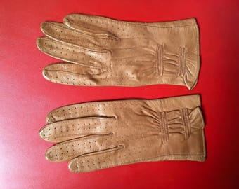 Vintage 50's Brown decorated leather gloves punch hole decoration