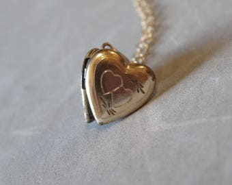 Vintage Small Gold Heart Locket Necklace 14K Gold Filled Pendant w Chain Valentine Gift for Her Sweetheart Mom Daughter Monogram Antique