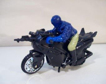 Vintage Saban's Masked Rider Mutant Marauder Cyclopter Cannon Wheels Revvin Bike Friction Motorcycle, Bandai 1995