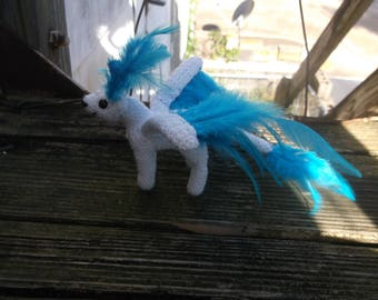 Crochet winged cat, cat amigurumi, winged cat, feathered cat, white cat, ready to ship