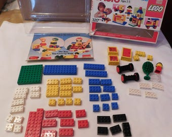1986 Lego Basic Building Set 320 complete in original box