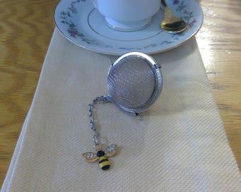 Tea Infuser - Individual Cup - Tea Infuser w/Bee Charm