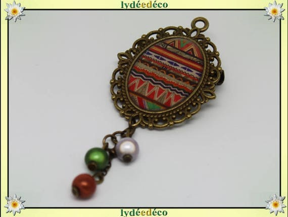 Brooch retro resin Africa brass green gray orange Medallion charm bronze 18 x 25mm