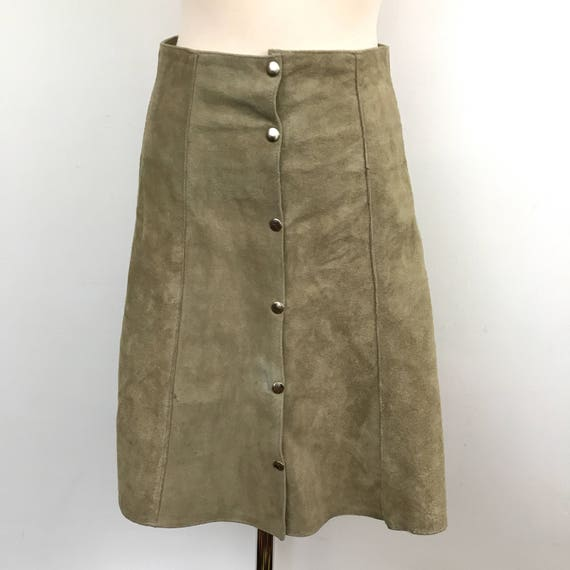 "Vintage suede skirt 1970s cream real leather suede skirt silver button front skirt 70s boho hippy style 28"" waist UK 12 gray"