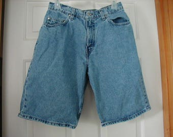 L@@K 90's  Men's Levi Silver Tab loose fit shorts 30 W waist