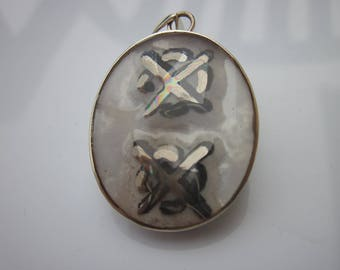 1 resin pendant on a 925 sterling silver backing - 27x32mm (4)