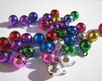 50 metal bells of different colors in 6 mm (31)