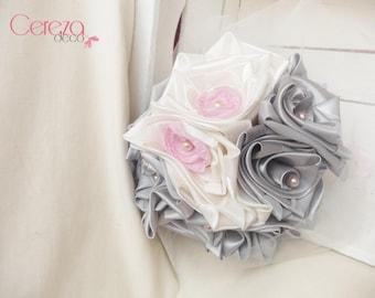 "Original bridal bouquet ivory wispy gray pink ""Constance"""
